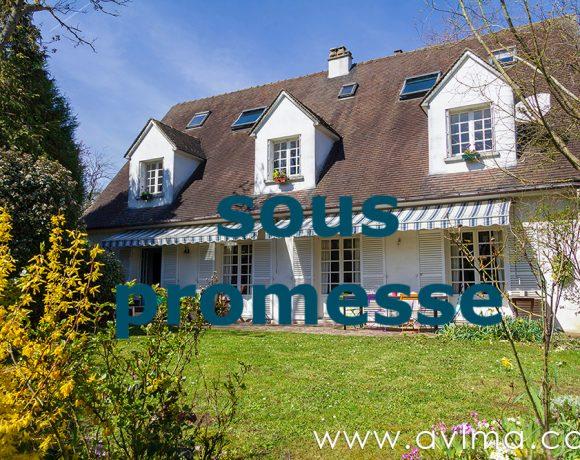 Maison familiale à 5 min du Lycée International, à 100 m du bus pour Saint Germain-en-Laye